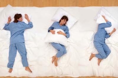 Какая поза для сна правильная? Какую подушку лучше выбрать?