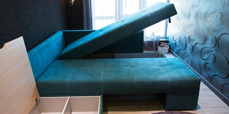 Открытый диван с нишей для вещей