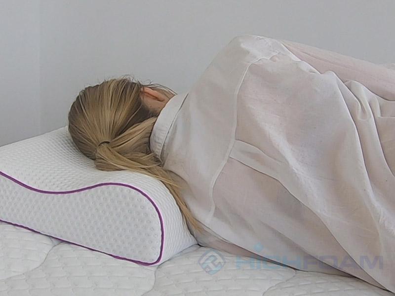 Как правильно спать на подушке на боку